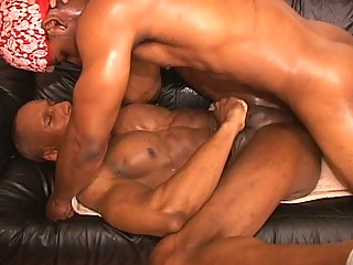 Sexy muscled homo thugs hardcore anal pounding session