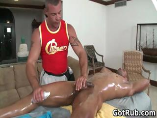 Hawt man get his outstanding body massaged