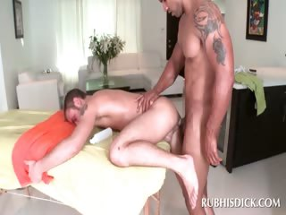 Afro masseur fucking white booty