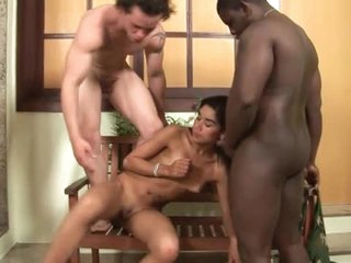 Blowjobs abound in Latin bisexual three-some