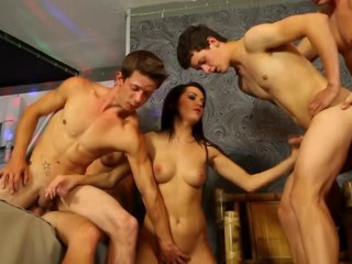 Sexy bitches in group engulfing dong of bisex stud-horses HD